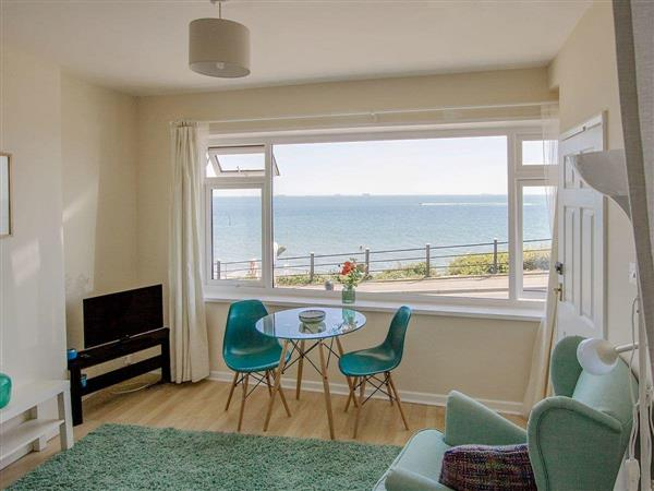 Shanklin Chine Apartments - Beachside Bluff in Isle of Wight