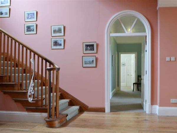 Shaw End Mansion- Apartment 2, Kendal