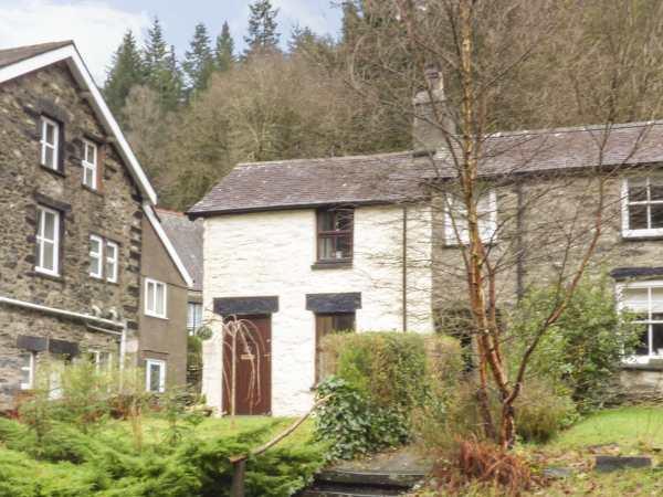 Squirrel Cottage in Gwynedd