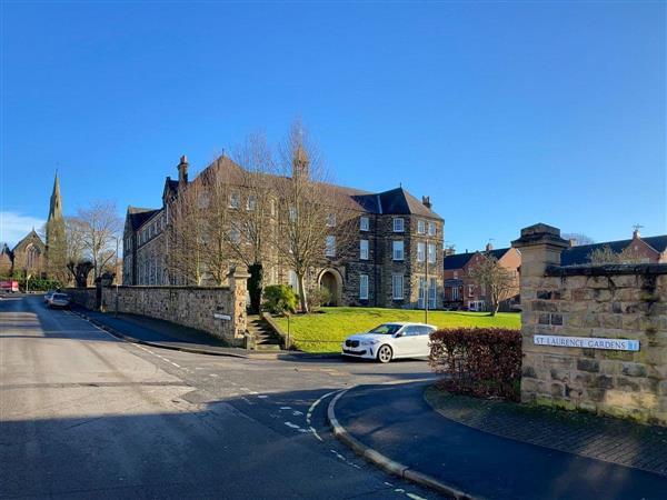 St Laurence Gardens in Derbyshire