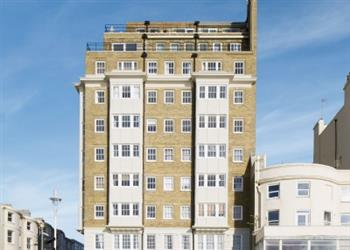 Stay in the Heart of Brighton - Astra Apartment in East Sussex
