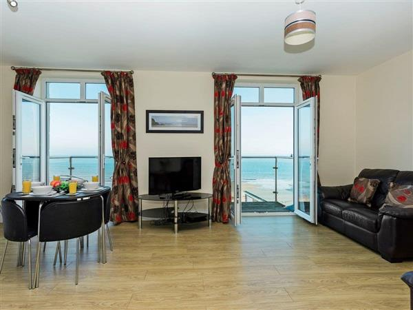 Sunny Beach Apartment in Isle of Wight