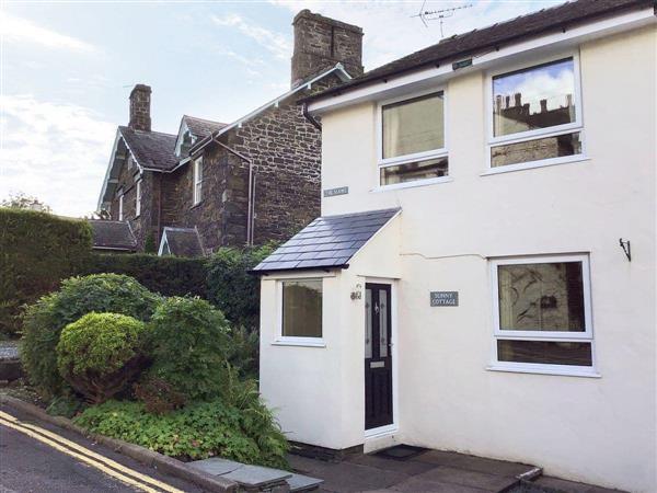 Sunny Cottage in Cumbria