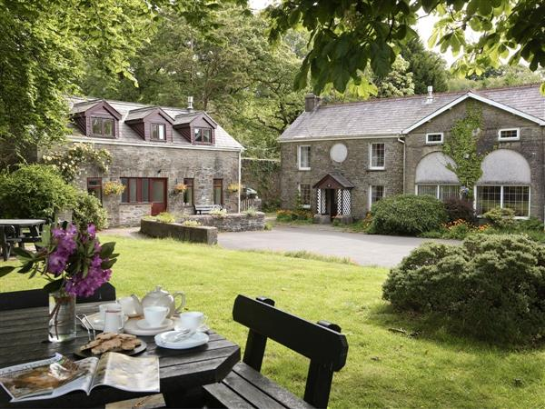 Swansea Valley Holiday Cottages - Bwythn Y Saer in West Glamorgan