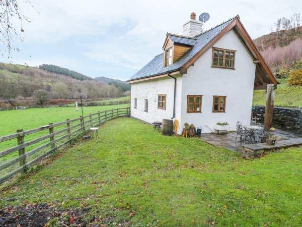 Tan Y Garth Cottage in Denbighshire