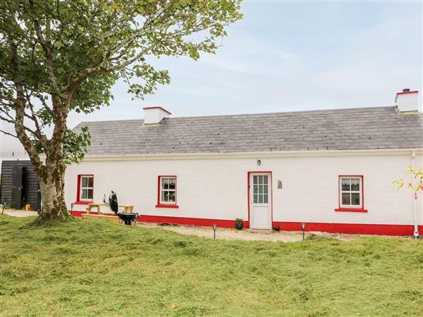Teach Phaidi Mhoir in County Donegal