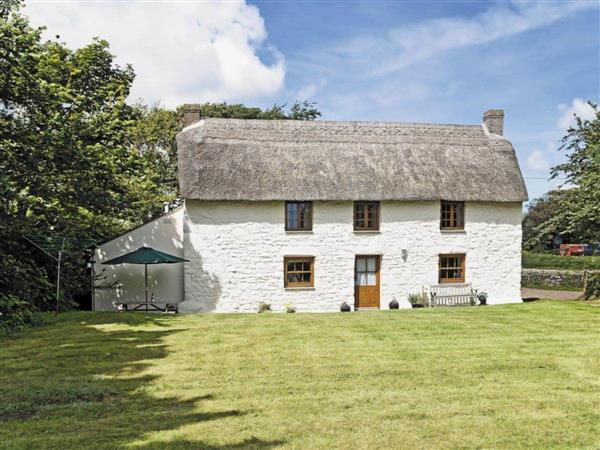 Thatch Cottage in Cornwall
