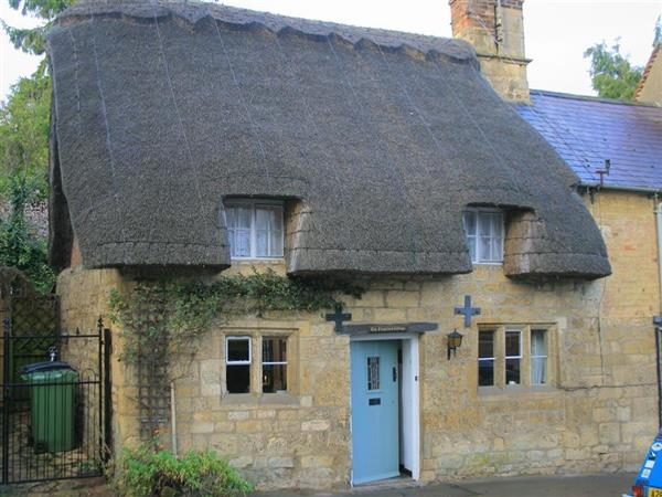 Thatched Cottage in Gloucestershire