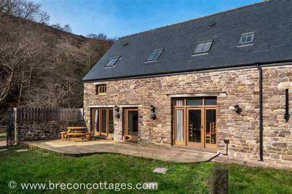 The Beasthouse Barn in Powys