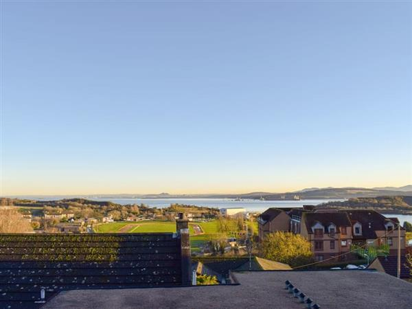 The Courtyard - Forth View Apartment in Fife