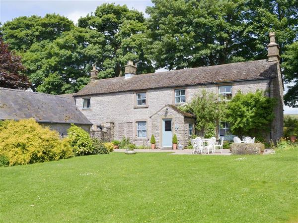 The Farmhouse - Haddon Grove Farm Cottages in Derbyshire