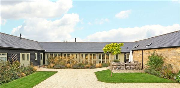 The Hexham Barns - Sleeps 30 in Oxfordshire
