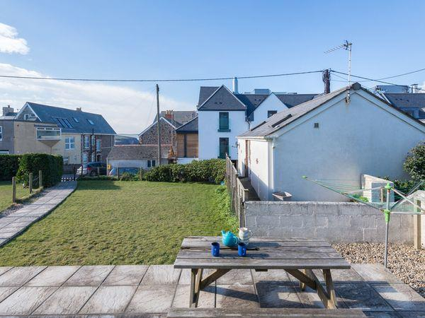 The Holiday House (2 Atlantic Mews) in Cornwall
