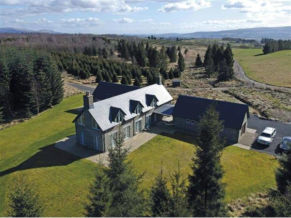 The Lodge at Muir Estate, Callander, Stirlingshire with hot tub