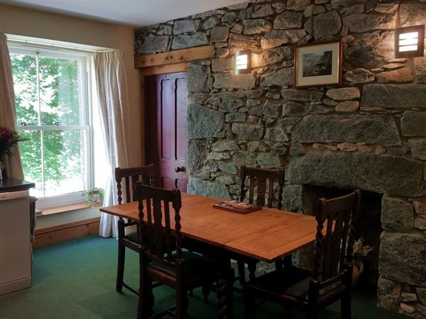 The Old Convent - Apartment 3 in Fort Augustus, near Fort William, Inverness-Shire