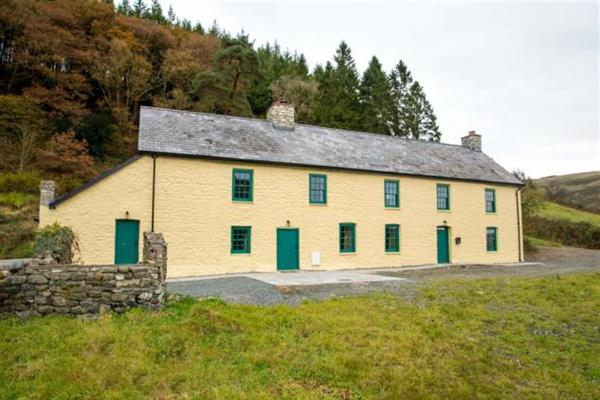 The Old Family Home - Yr Hen Aelwyd in Powys