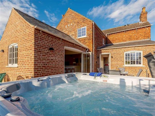 The Old Police House, Stow, near Lincoln, Lincolnshire with hot tub