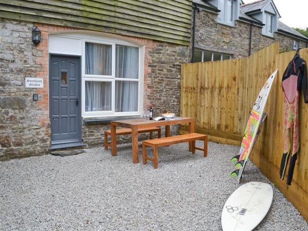 The Old Rectory Holiday Cottages - Southcott Apartment in Jacobstow, near Crackington Haven, Cornwall
