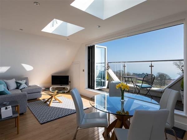 The Penthouse @ Ocean Breeze in Devon