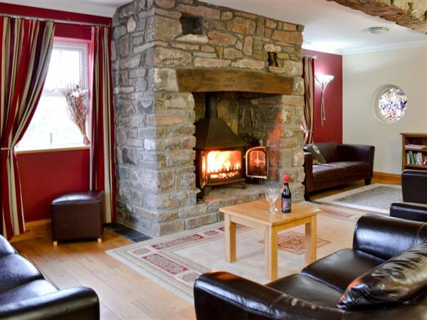 Three Farm Rivers Cottages - Ty-Canol in Dyfed