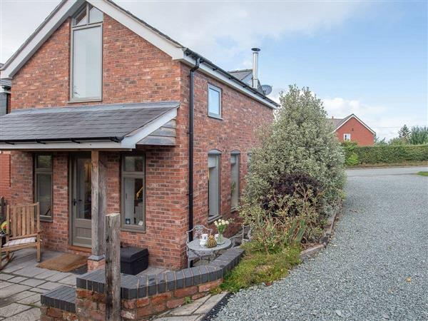Top House, Forden, Powys