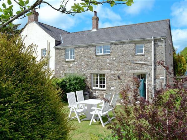 Trecan Farm Cottages - Hayloft in Cornwall