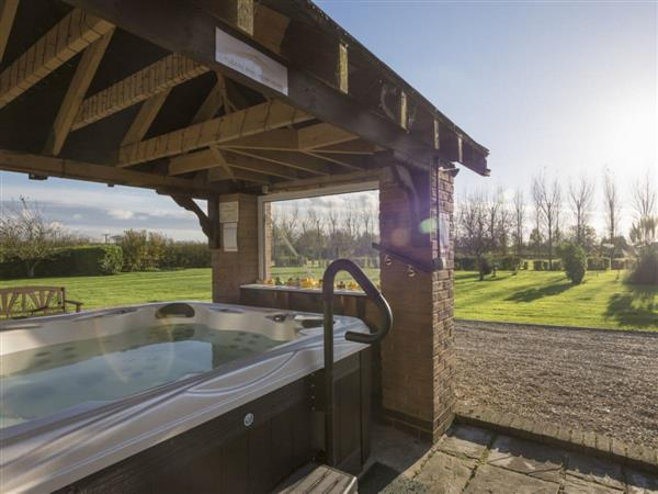 Treetops Cottages & Spa - Oak, Grasby, near Caistor