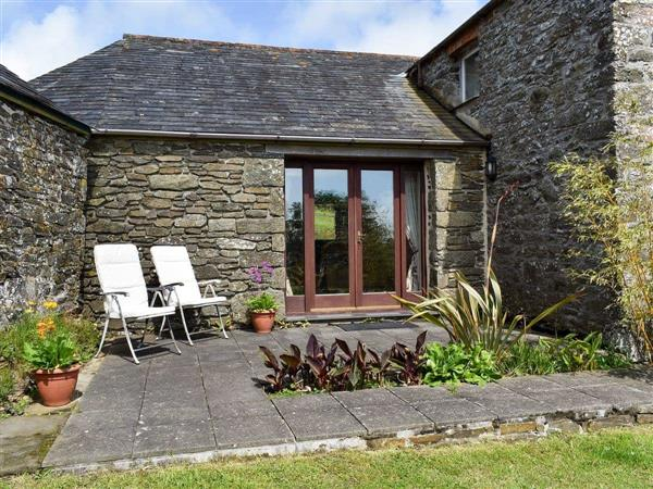 Trentinney Farm Holiday Cottages - Round House in Cornwall