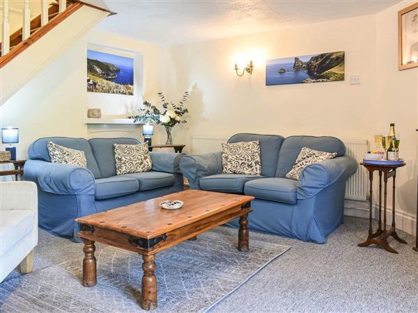 Trewethen Farm - The Granary, Tregatta, near Tintagel, Cornwall with hot tub