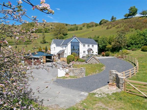 Troed Rhiw Gadair Farmhouse in Dyfed
