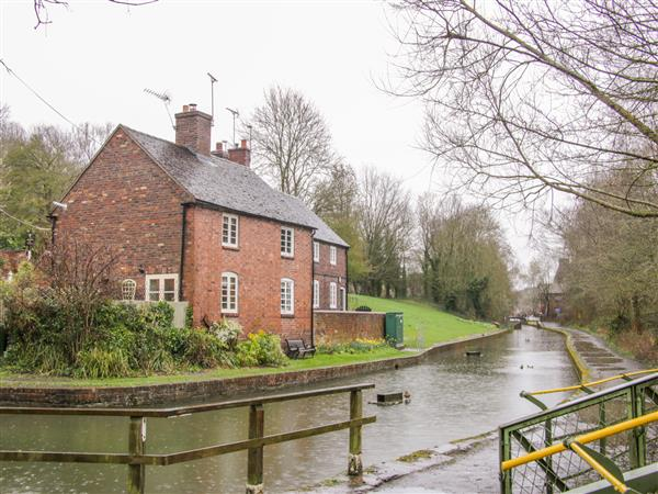 Tub Boat Cottage in Shropshire