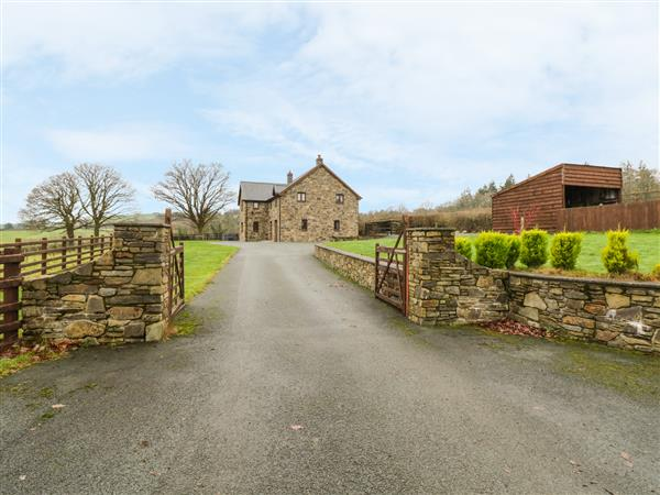 Ty Berllan in Powys