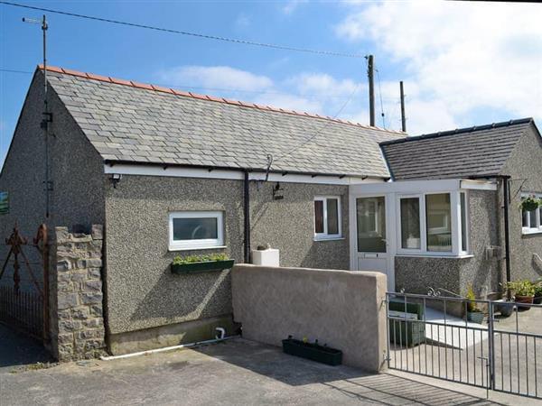 Ty Main Cottage in Gwynedd