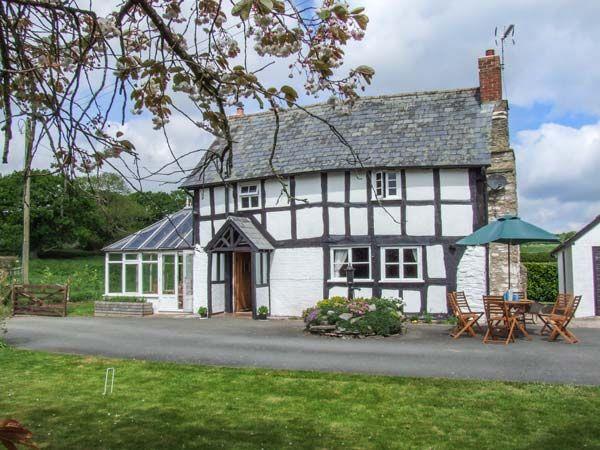 Tyn-Y-Cae in Herefordshire