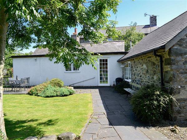 Tyn-Yr-Eithin Cottage in Gwynedd