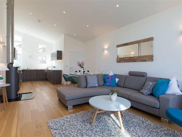 Una Argentum 59, Cornwall