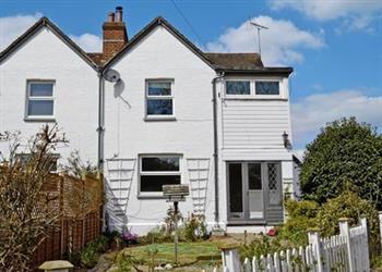Vann Farm Cottages - Primrose Cottage in Surrey