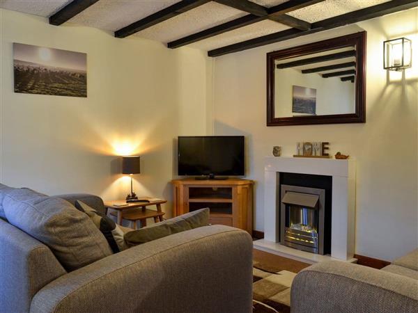 Venton Farm Cottages - Honeysuckle Cottage, Winkleigh, near Torrington