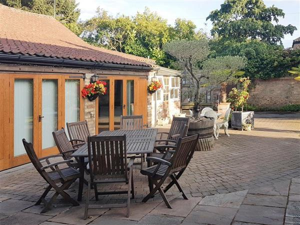 Photos of village farm cottages the garden rooms bolton for Garden rooms yorkshire
