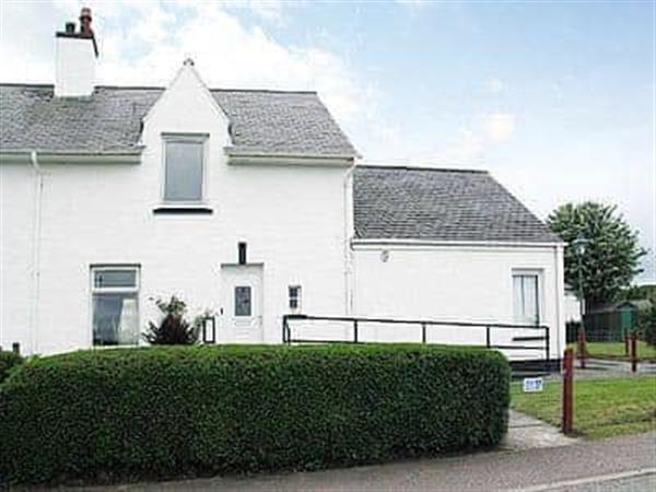 Waterside Cottage in Isle Of Skye