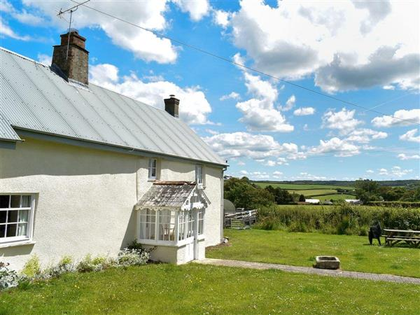 Well Farm Holiday Cottages - Wells Farm House in Cornwall