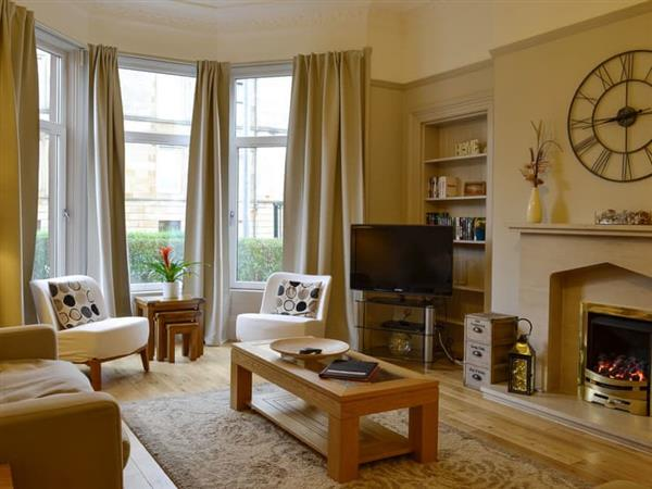 West End Apartment in Lanarkshire