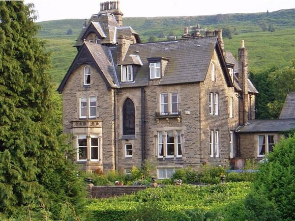 Westwood Lodge Cottages - The Wells in West Yorkshire