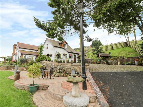 White Cottage in Shropshire