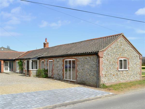 White House Farm Holiday Cottages - Flint Barn in Norfolk