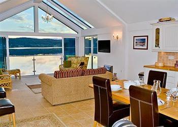 Windermere Lake Boathouses - 2 Lakeshore Boathouse in Cumbria