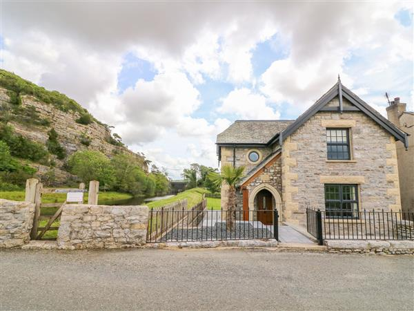 Winster Cottage from Sykes Holiday Cottages
