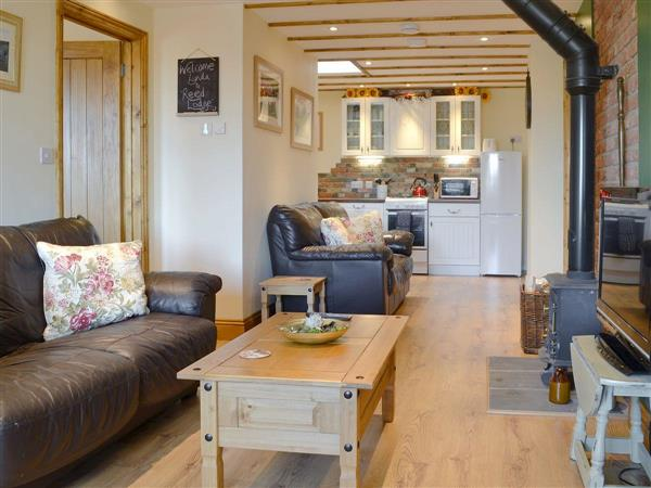 Wood Fen Lodges - Reed Lodge in Cambridgeshire