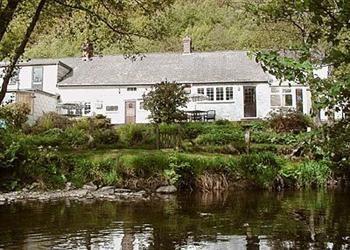 Woodside Cottage in Powys