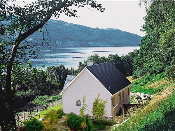 Woodside Cottage in Inverness-Shire